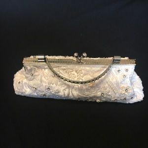 Handbags - White beaded evening bag